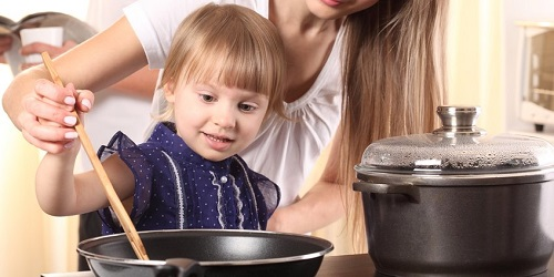 Как воспитать помощника и кулинара