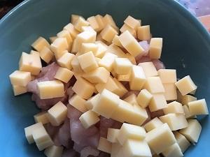 оладьи из куриной грудки с сыром
