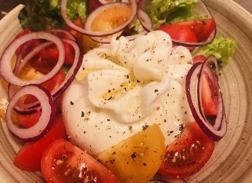 буратта с томатами